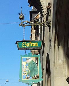 Schild der Safran-Zunft in Basel