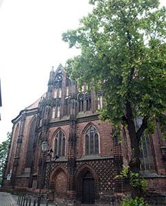 St. Katherinen, dreischiffige, gotische Backsteinkirche