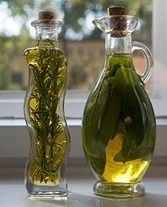 Salbei- und Rosmarinöl