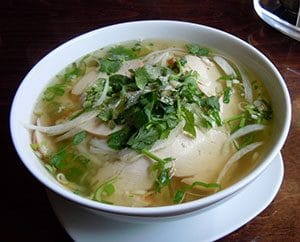 Pho: Vietnamische traditionelle Suppe