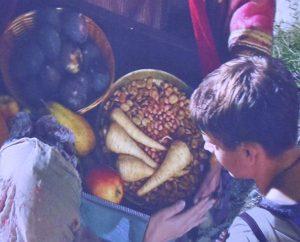 Bohnen, Feigen, Gemüse werden feil geboten